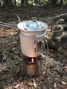 ソロストーブ:お湯を沸かす