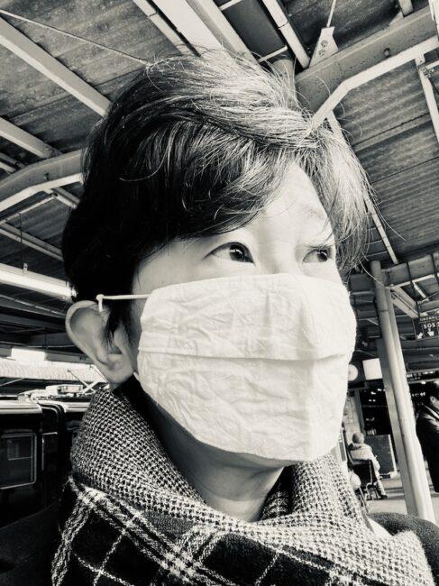 苦手なので、なんとか息のできるマスクを追求しているのかも・・・・